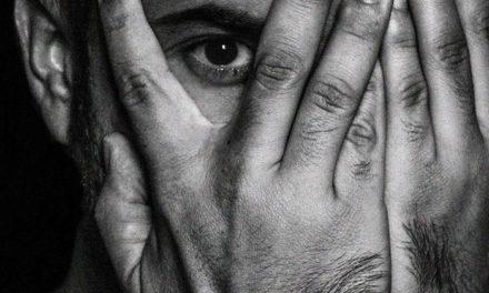 Roy Galán defiende la permanencia de la ternura en una novela intimista